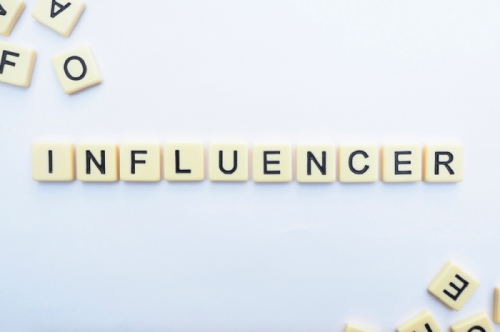influenceur lettres - influence marketing - influencer letters