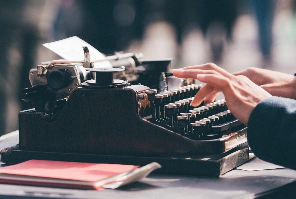 Comment rédiger des textes pour un site internet d'entreprise-min