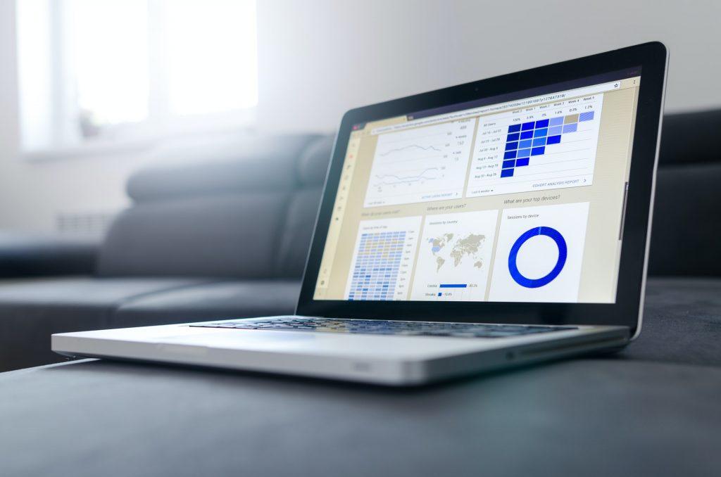 Google Analytics permet de suivre l'évolution du trafic local sur un site internet